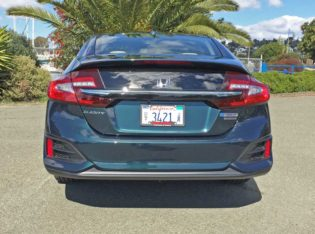 Honda-Clarity-Plug-In-Hybrid-Tail