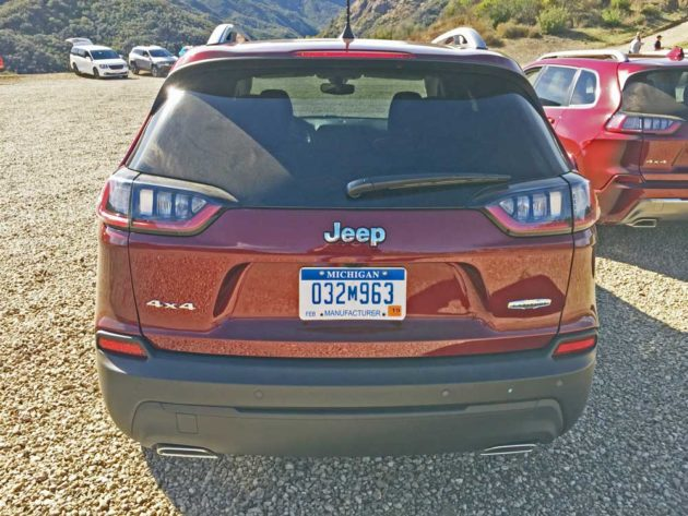 Jeep-Cherokee-Tail