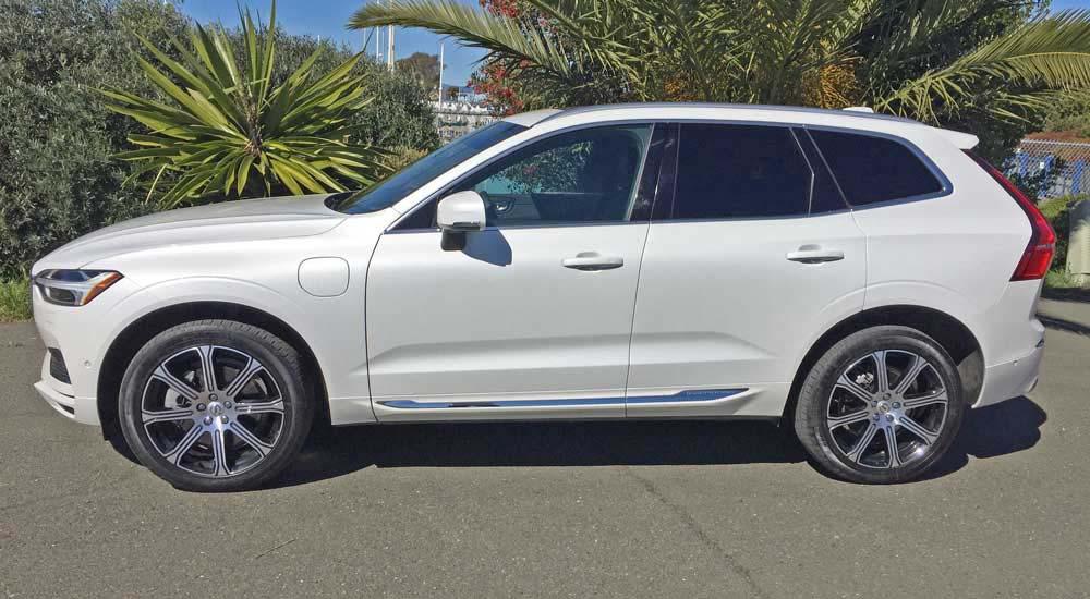 2018 Volvo XC60 T8 e Plug-in Hybrid Inscription Test Drive
