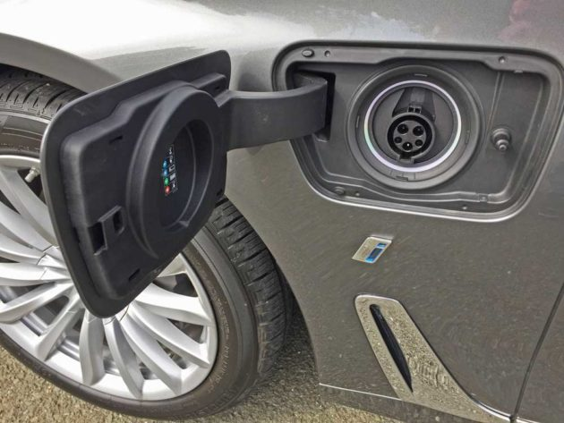 BMW-740e-xDrive-Plug-in