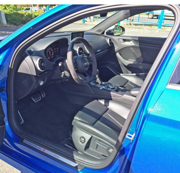 Audi-RS3-Int
