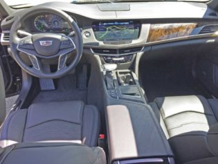 Cadillac-CT6-PHEV-Dsh