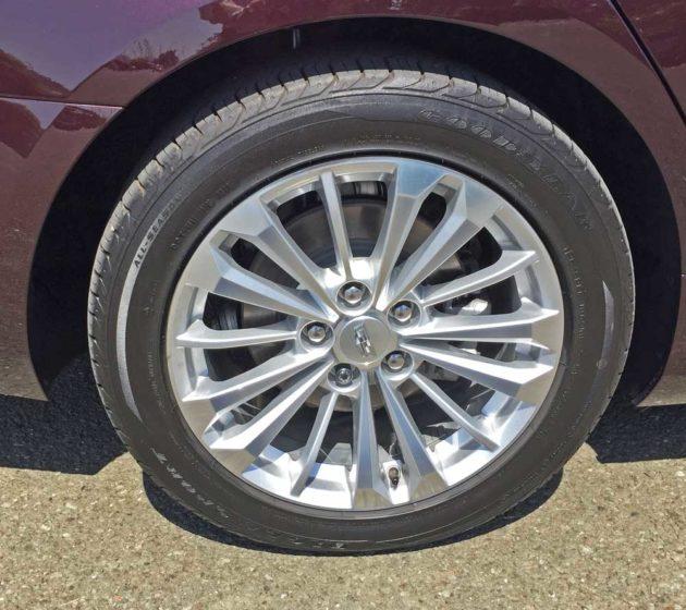 Cadillac-CT6-PHEV-Whl