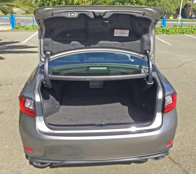 Lexus-ES-350-Trnk