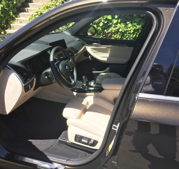 BMW-X3-30i-Int