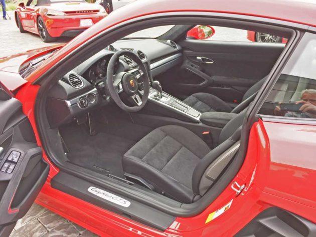Porsche-718-Cayman-GTS-Int