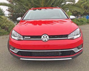 VW-Golf-Alltrack-Nose