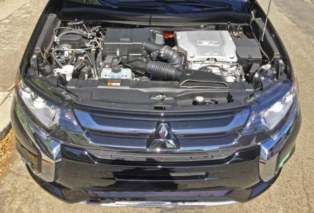 Mitsubishi-Outlander-PHEV-Eng