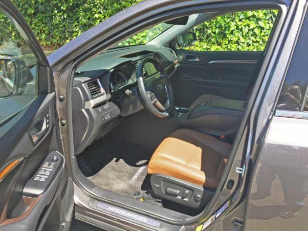 Toyota-Highlander-Hybrid-Int