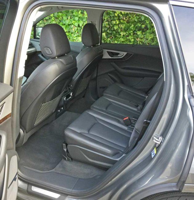 Audi-Q7-2.0T-RInt