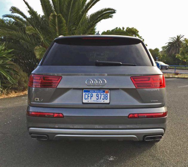 Audi-Q7-2.0T-Tail
