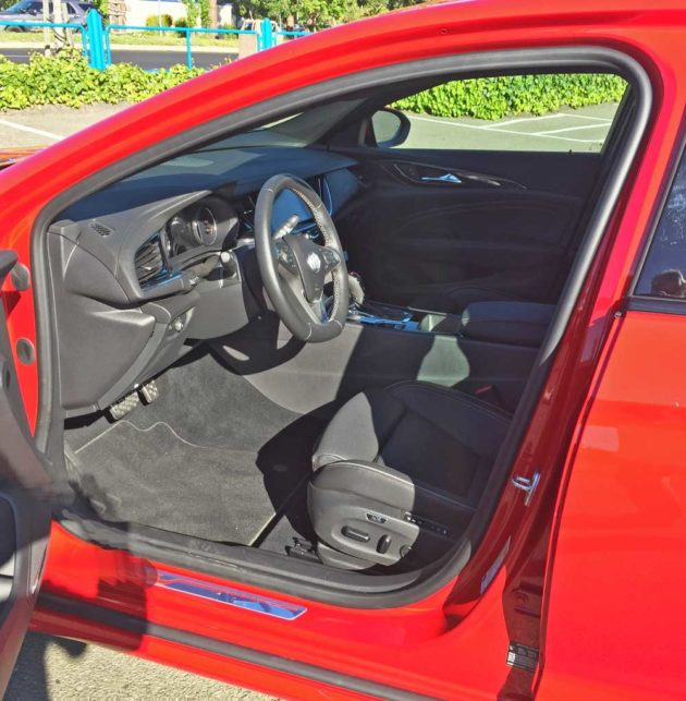 Buick-Regal-GS-Int