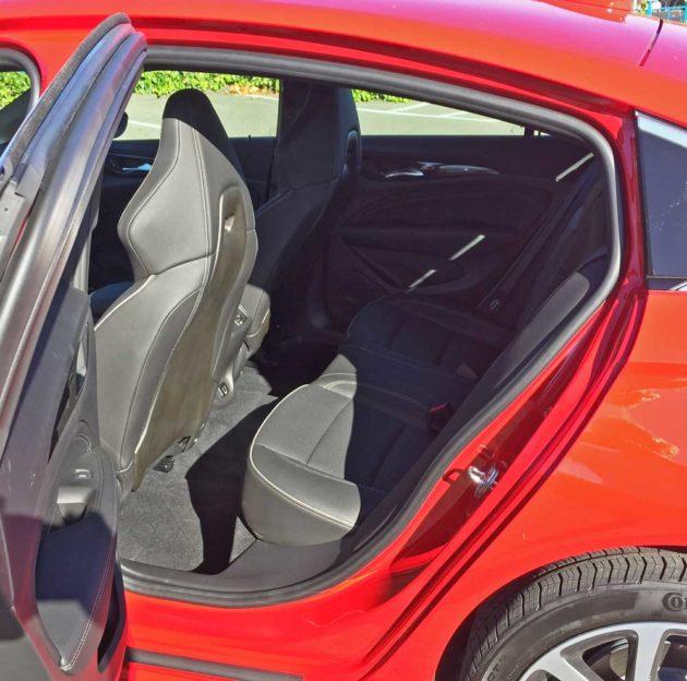Buick-Regal-GS-RInt