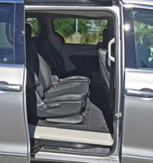 Chrysler-Pacifica-Hybrid-2nd-Rw