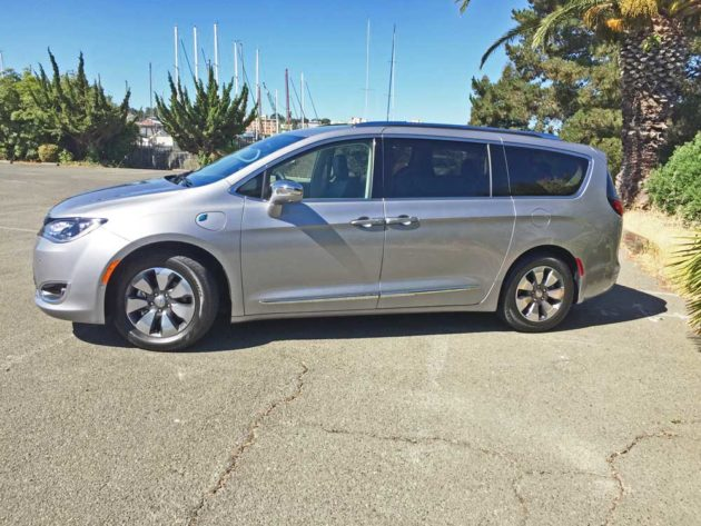 Chrysler-Pacifica-Hybrid-LSD