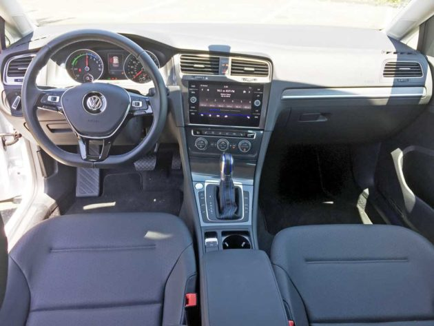 VW-eGolf-SEL-Dsh