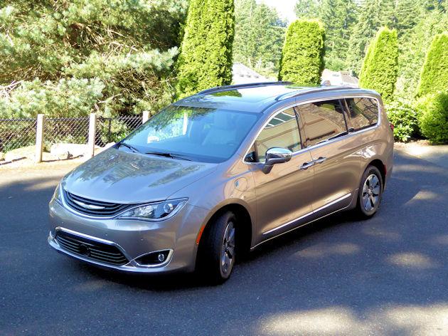 2018 Chrysler Pacifica Hybrid Test Drive