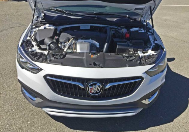 Buick-Regal-TourX-Eng