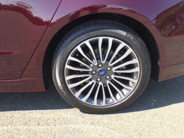 Ford-Fusion-Plat-Hybrid-Whl