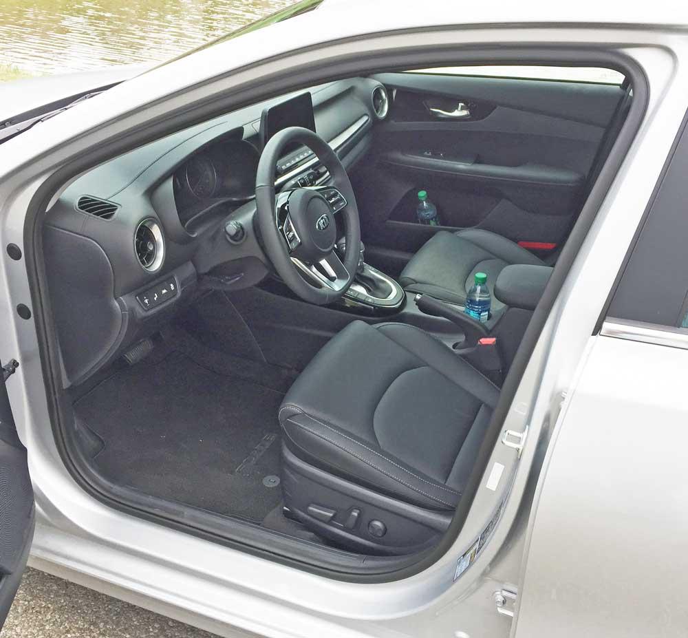 2019 Kia Forte Interior: 2019 Kia Forte EX Launch Edition Test Drive