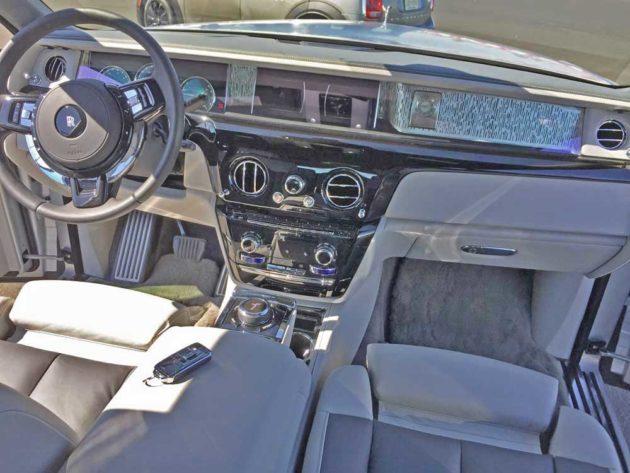 Rolls-Royce-Phantom-Dsh