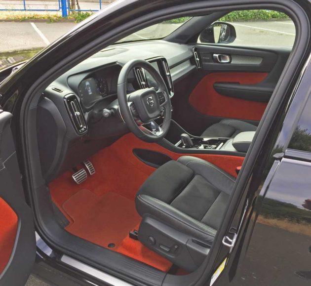 Volvo-XC40-T5-R-Design-Int