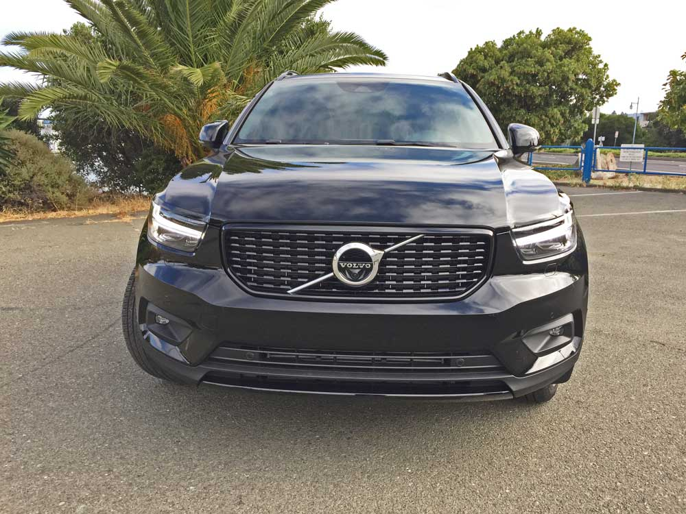 Volvo-XC40-T5-R-Design-Nose