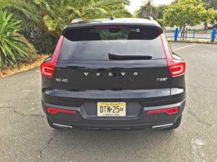 Volvo-XC40-T5-R-Design-Tail