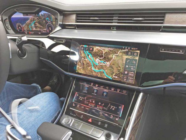 Audi-A8-L-VR-TFT