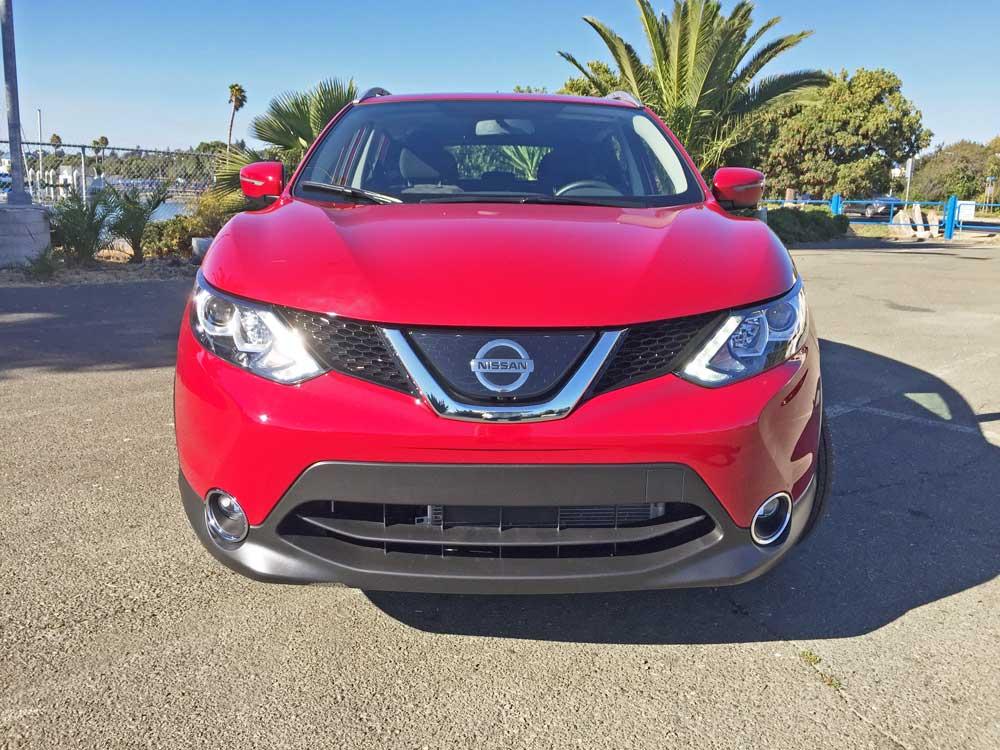 Nissan-Rogue-Sport-Nose
