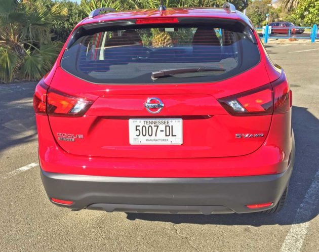 Nissan-Rogue-Sport-Tail