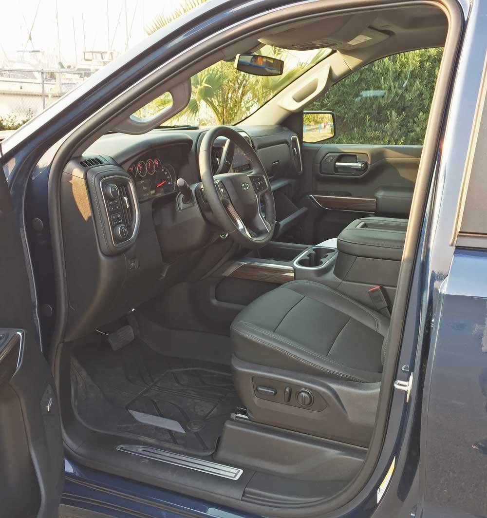 Chevy-Silverado-RST-Int