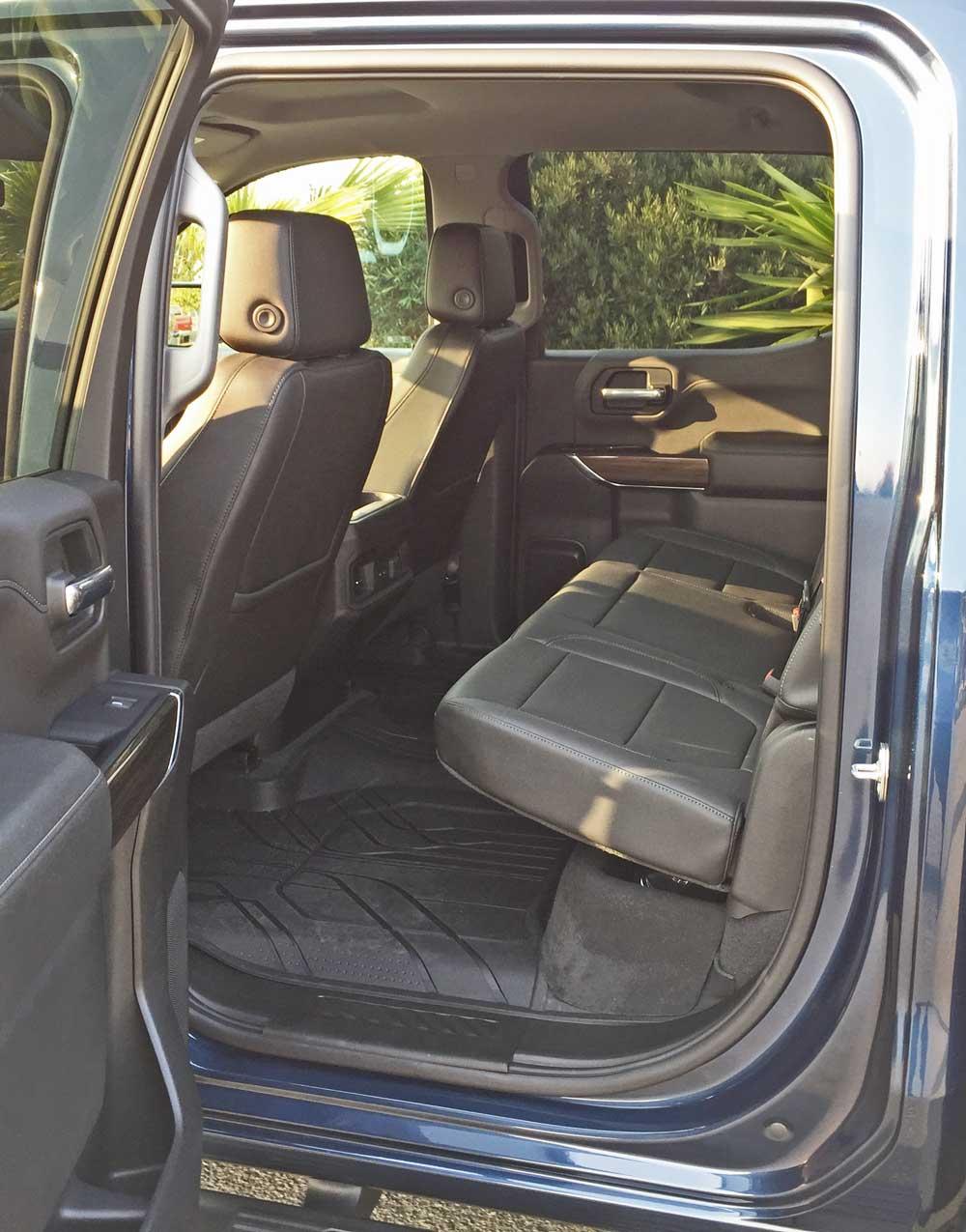 Chevy-Silverado-RST-RInt