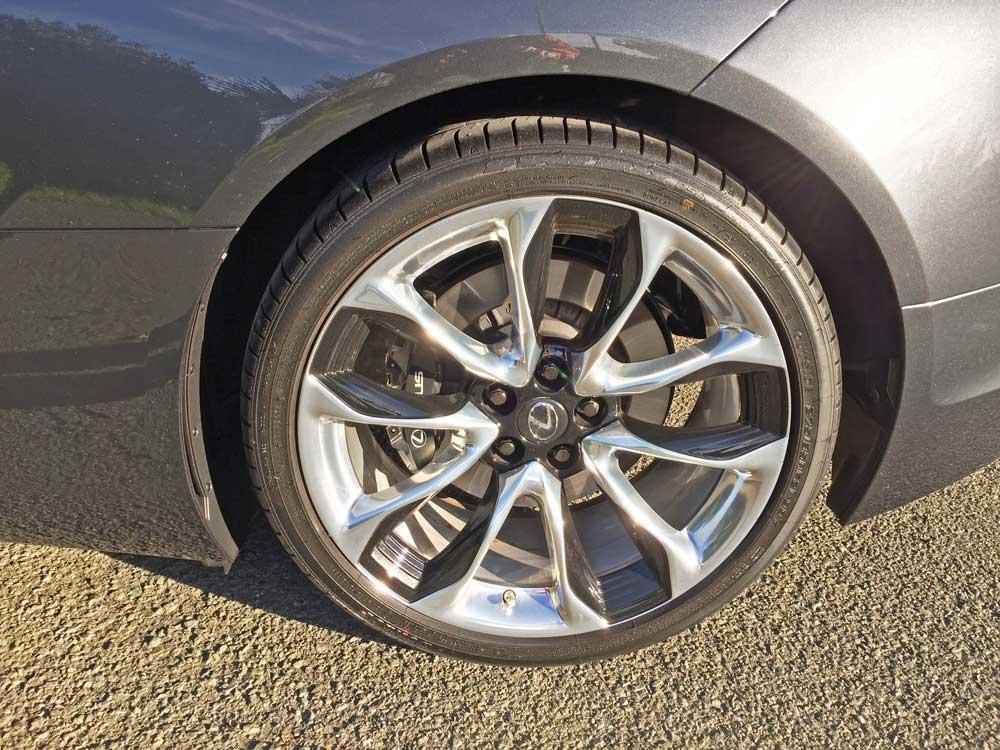Lexus-LC-500-Coupe-Whl