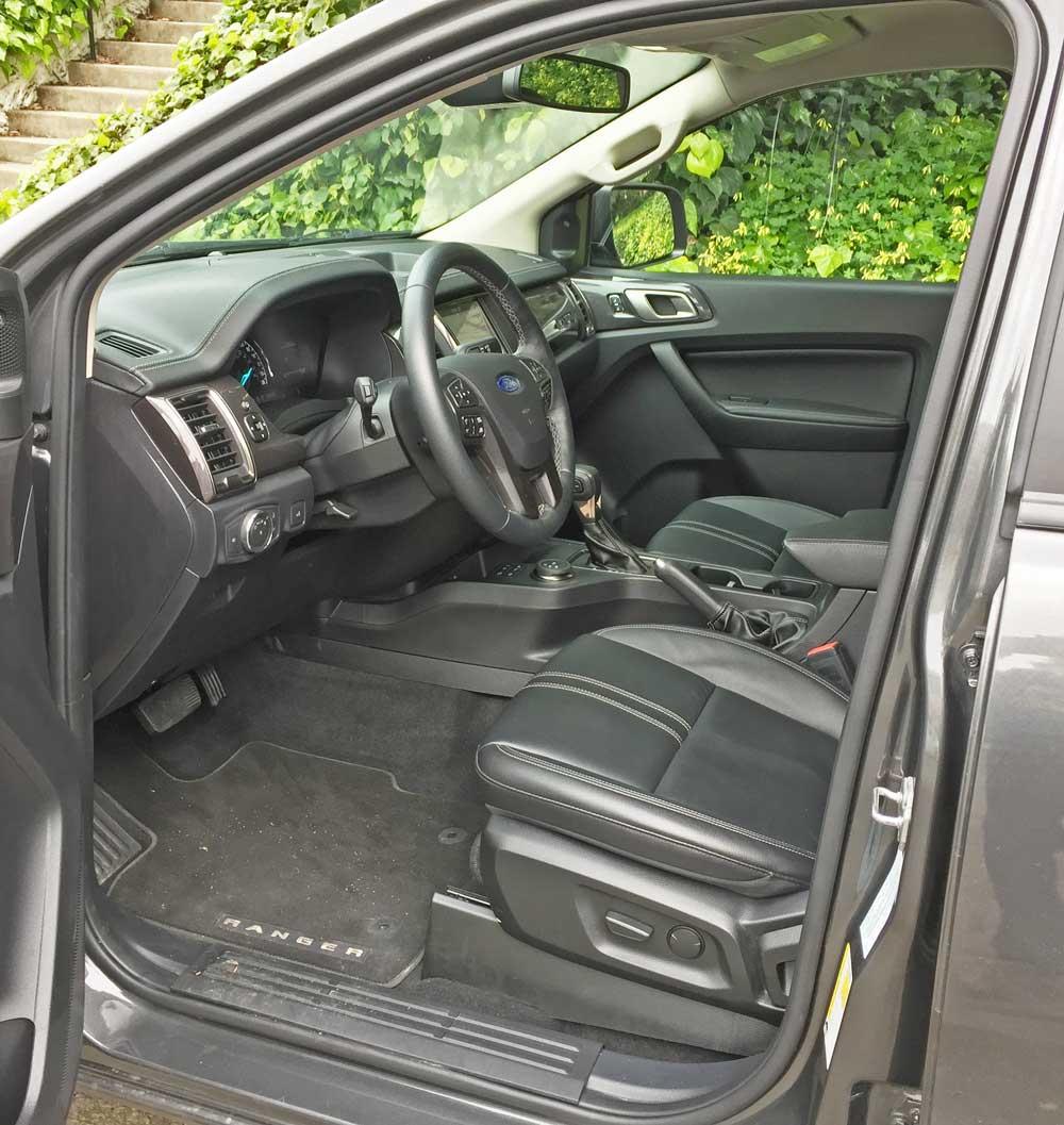 Ford-Ranger-SC-Lariat-Int