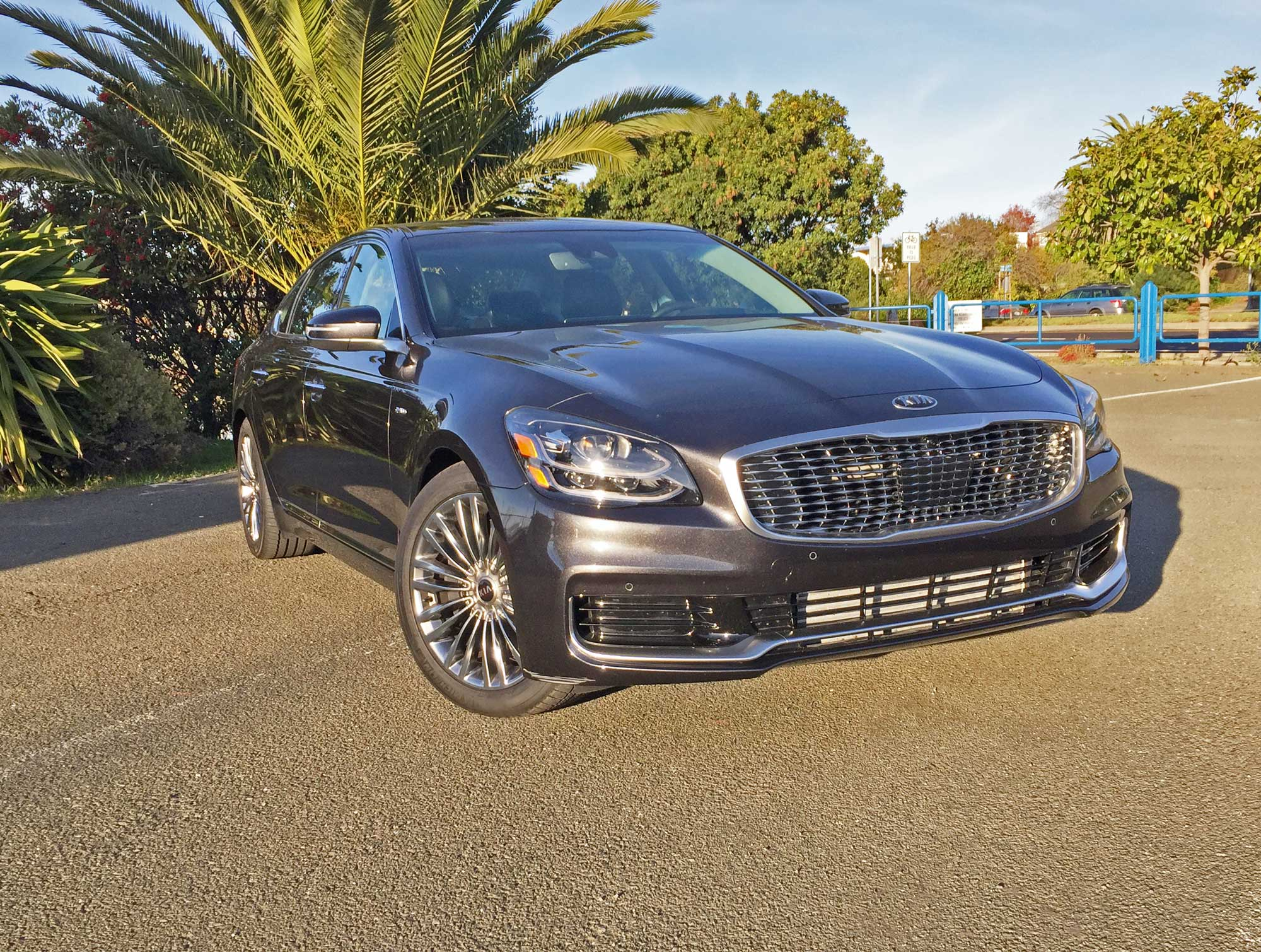 Kia-K900-Luxury-RSF