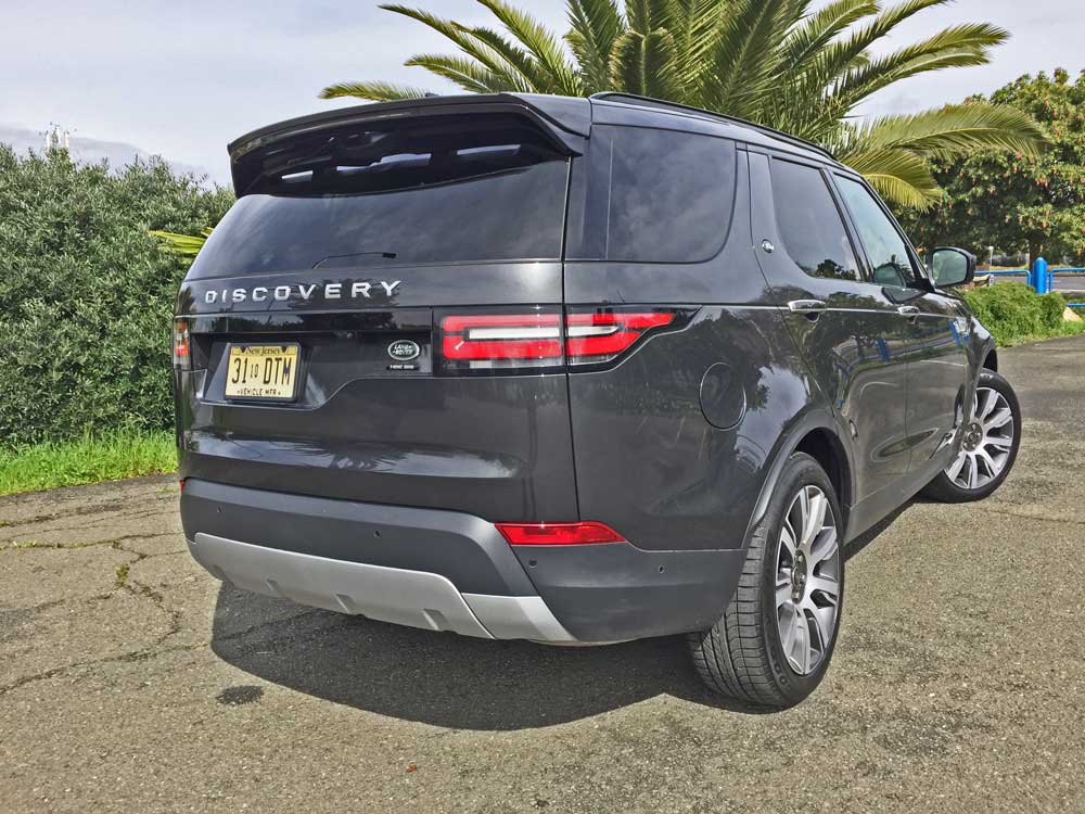 Land-Rover-New-Discovery-HSE-Lux-RSR