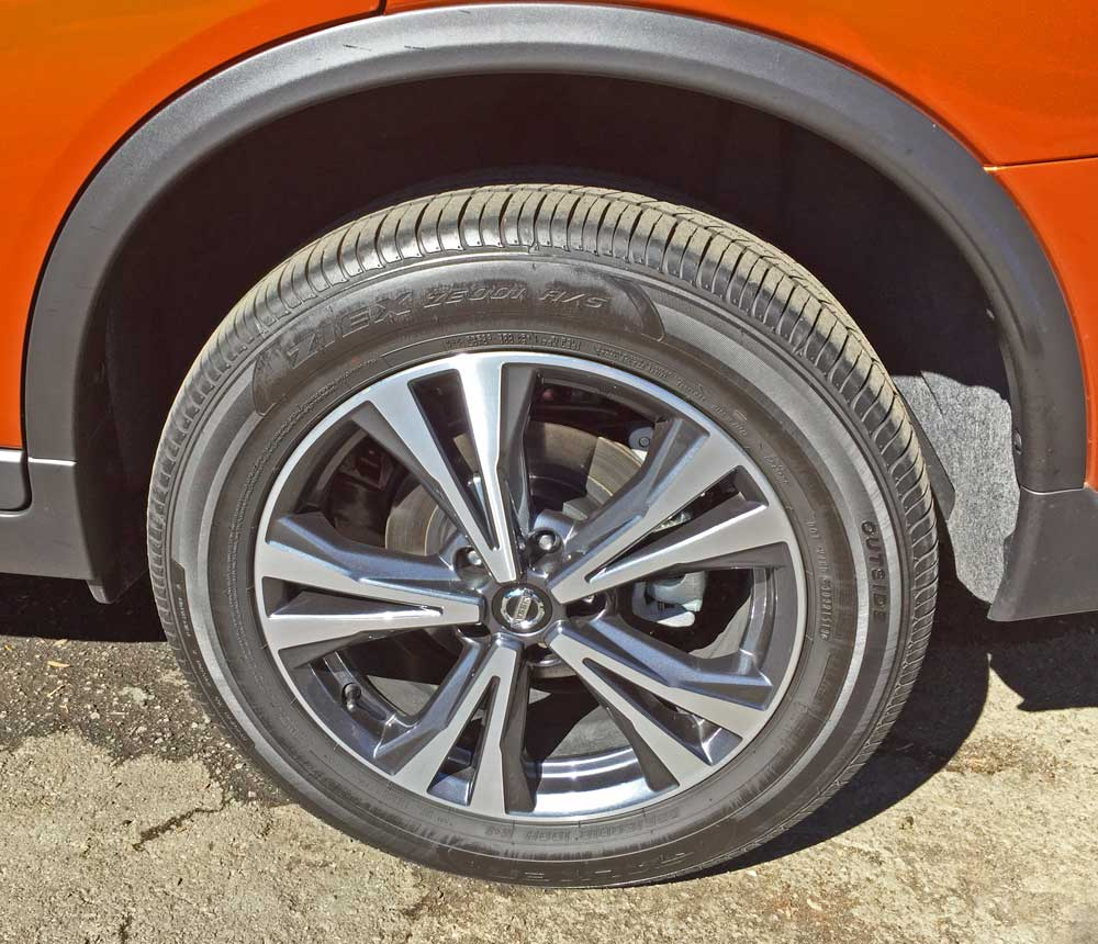 2019 Nissan Rogue SV AWD Test Drive
