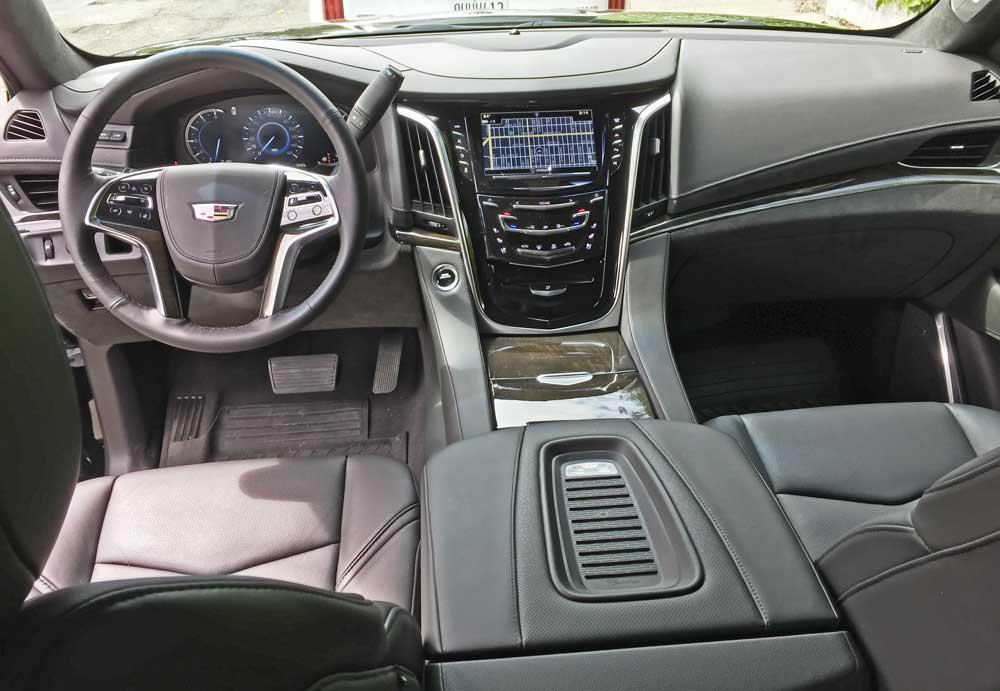 Cadillac-Escalade-ESV-Dsh