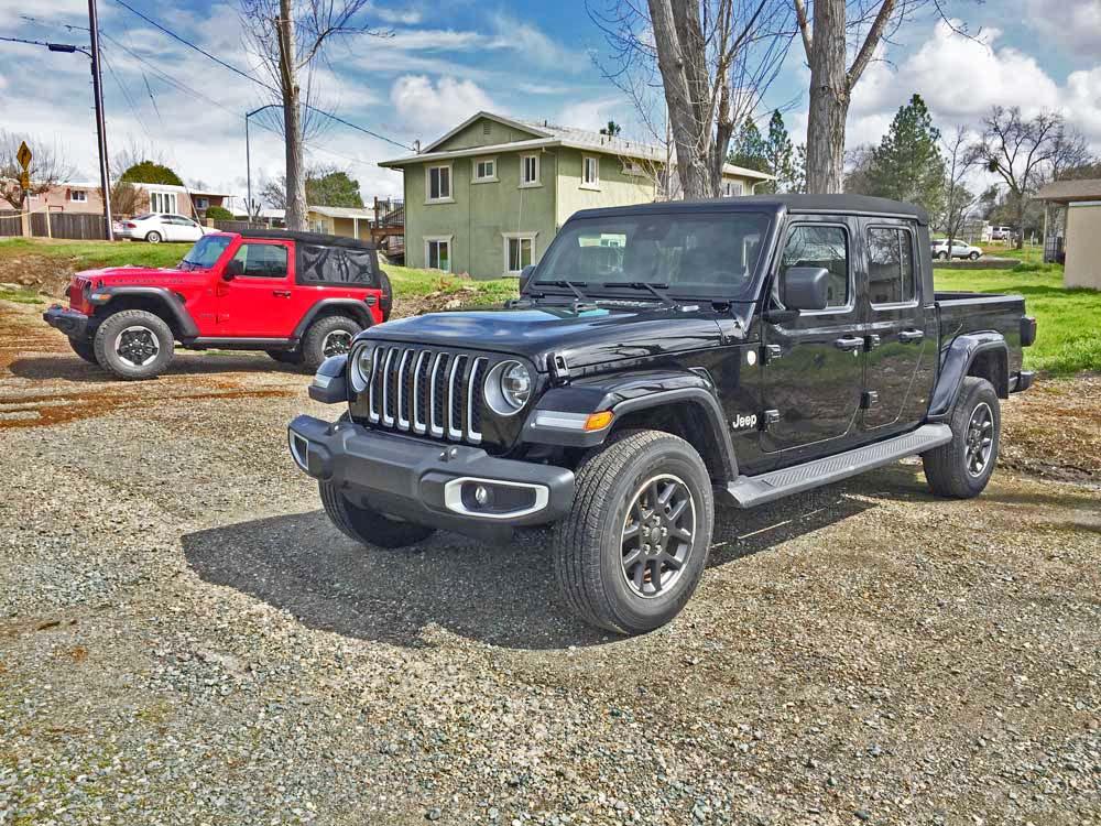 Jeep-Gladiator-Overland-Blk-B4-1