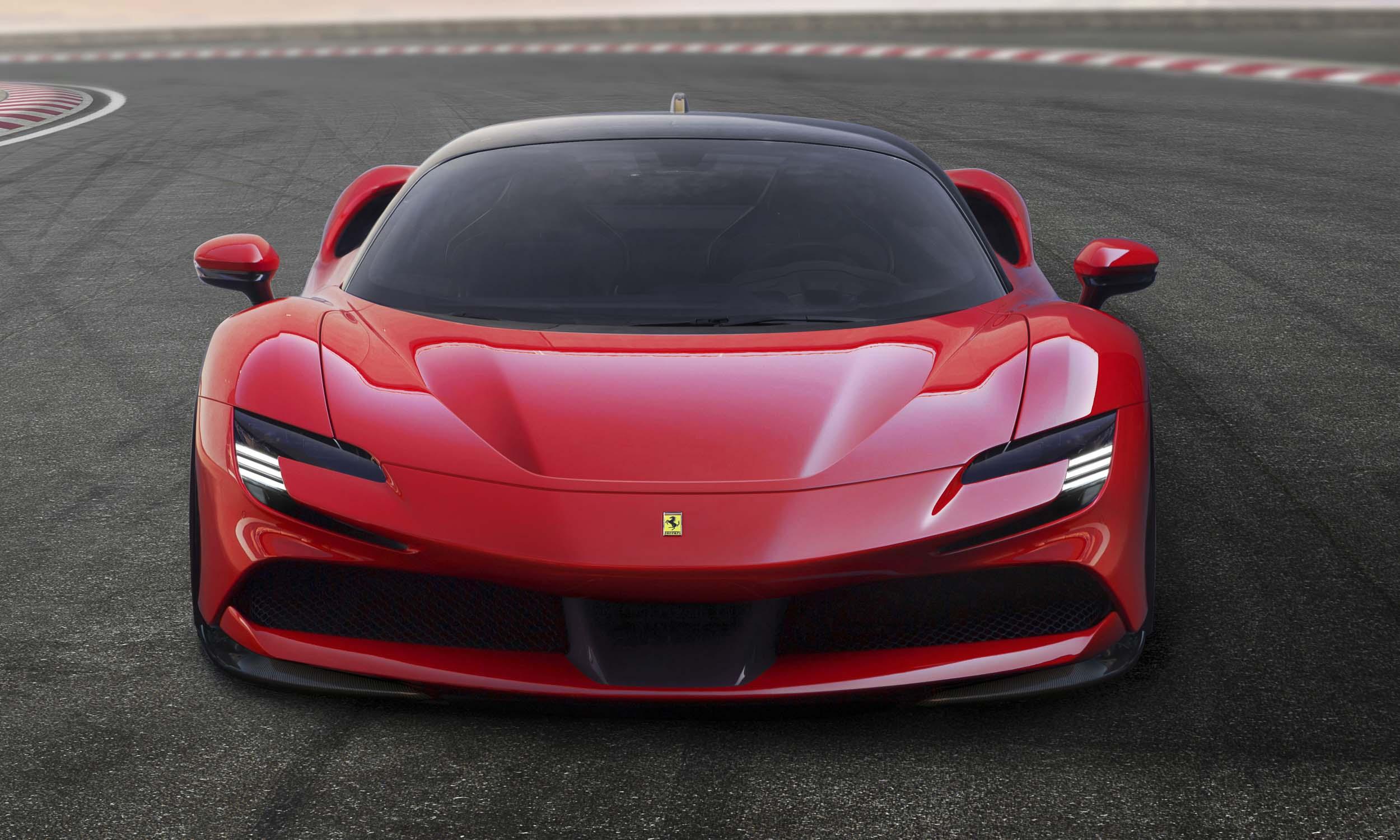 Ferrari SF90 Stradale: First Look