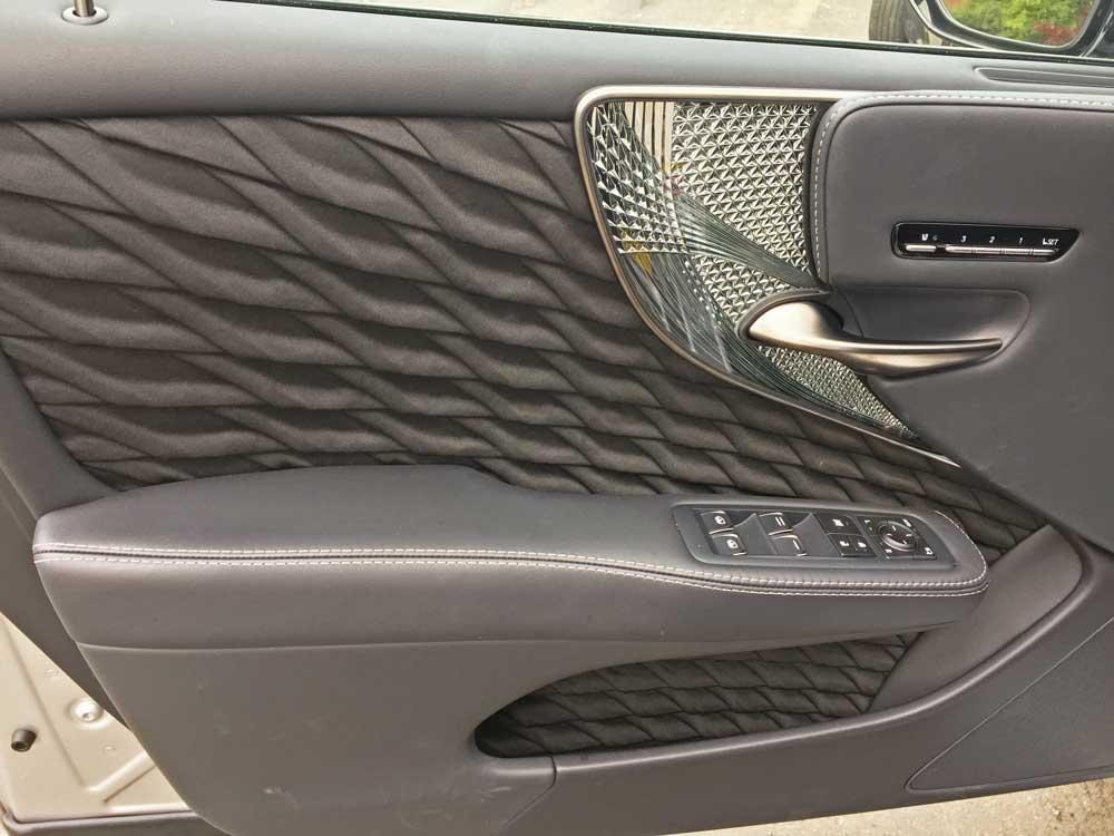 Lexus-LS-500-Dr-Trm