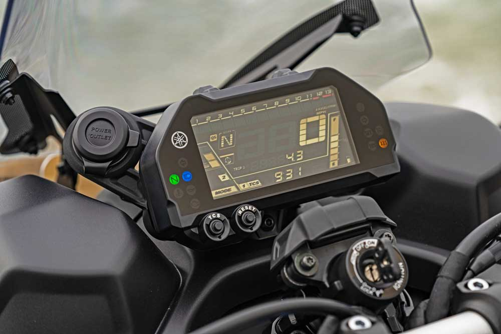 Yamaha--Niken-GT