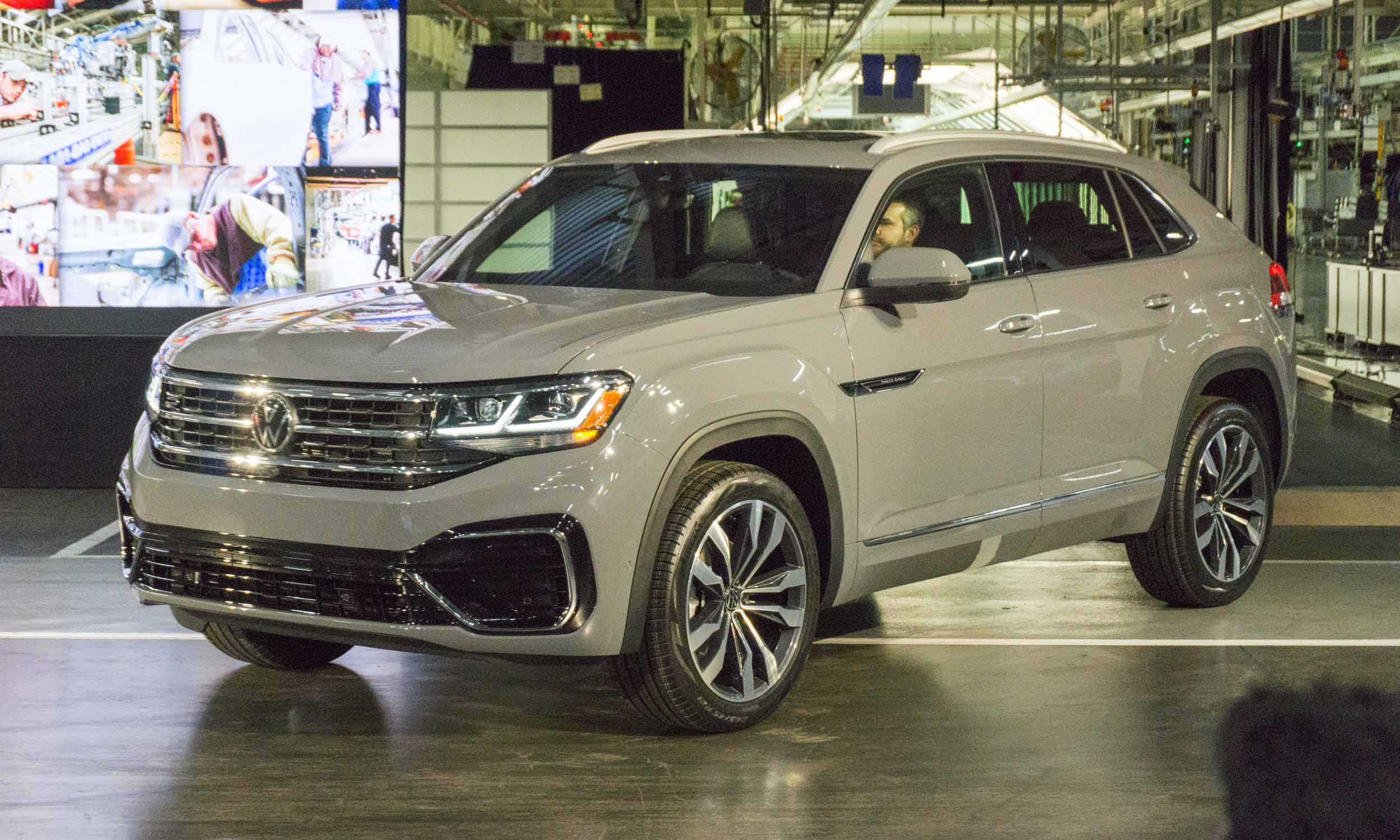 2020 Volkswagen Atlas Cross Sport First Look Our Auto Expert