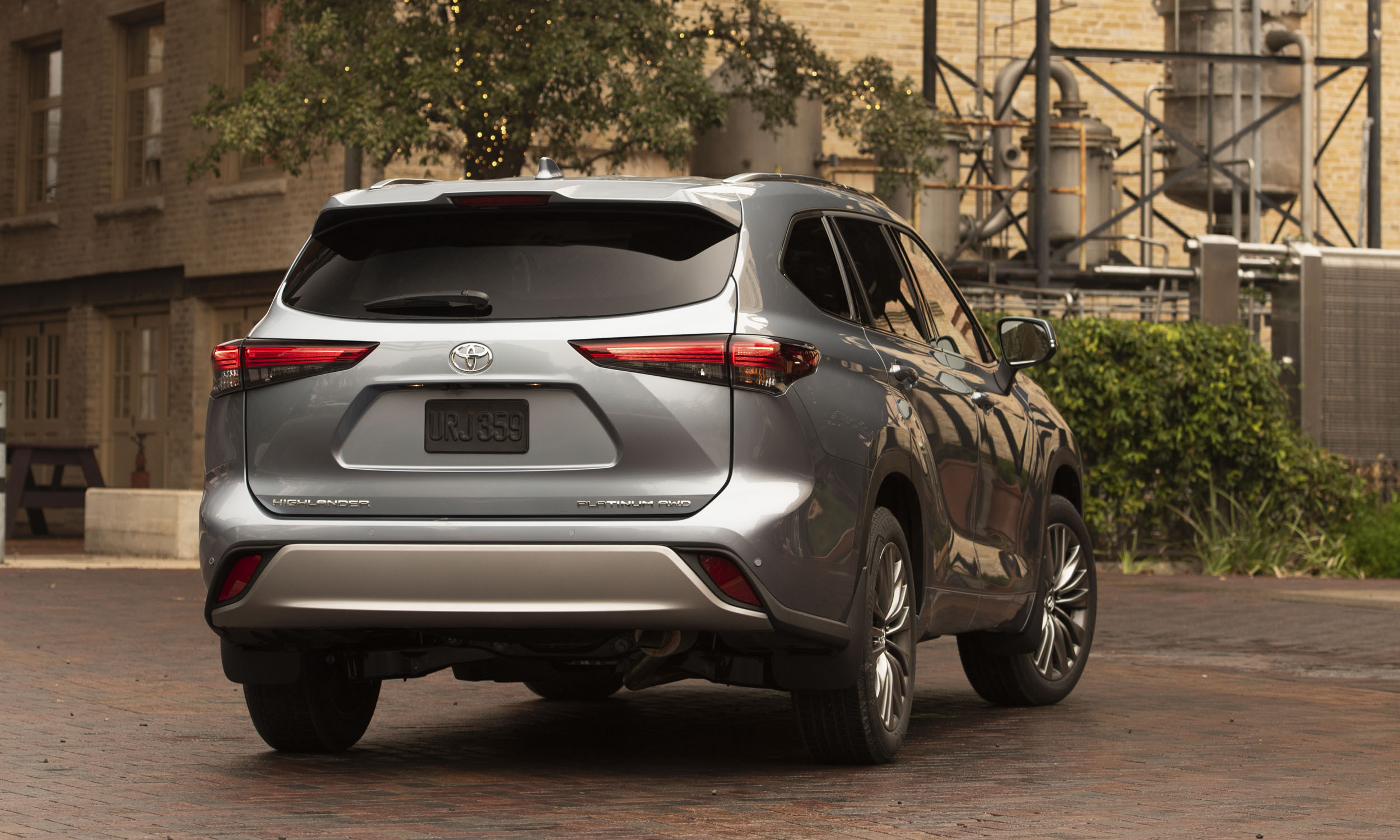 2020 toyota highlander: first drive review | our auto expert