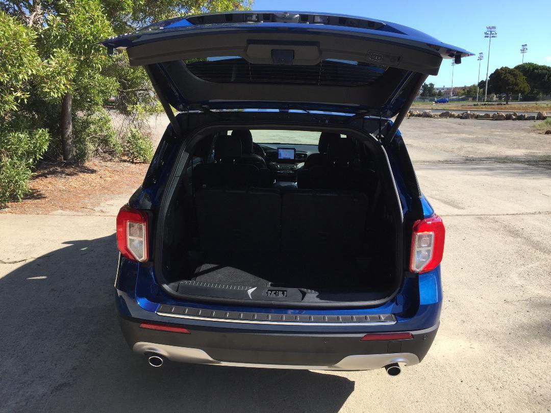 2020 Ford Explorer Hybrid Limited trunk