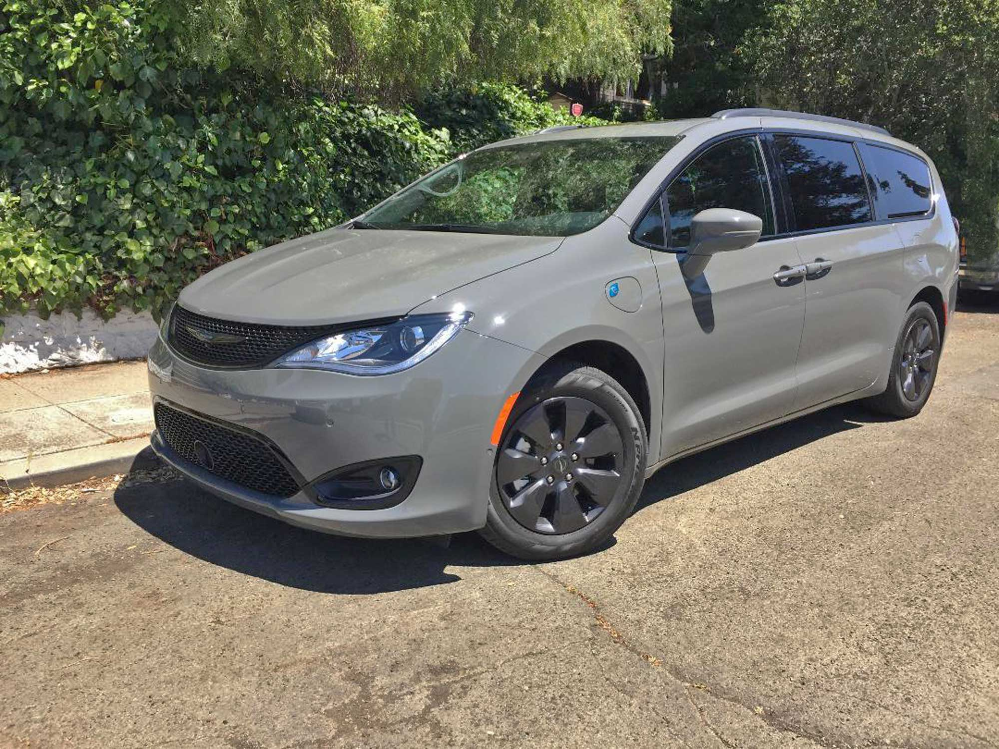 2020 Chrysler Pacifica Hybrid S Limited Test Drive