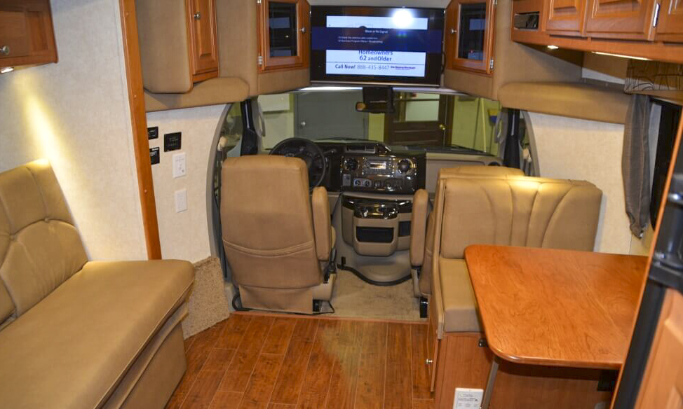 Phoenix USA RV Phoenix Cruiser 2100
