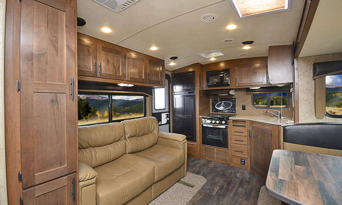 © Outdoors RV Manufacturing