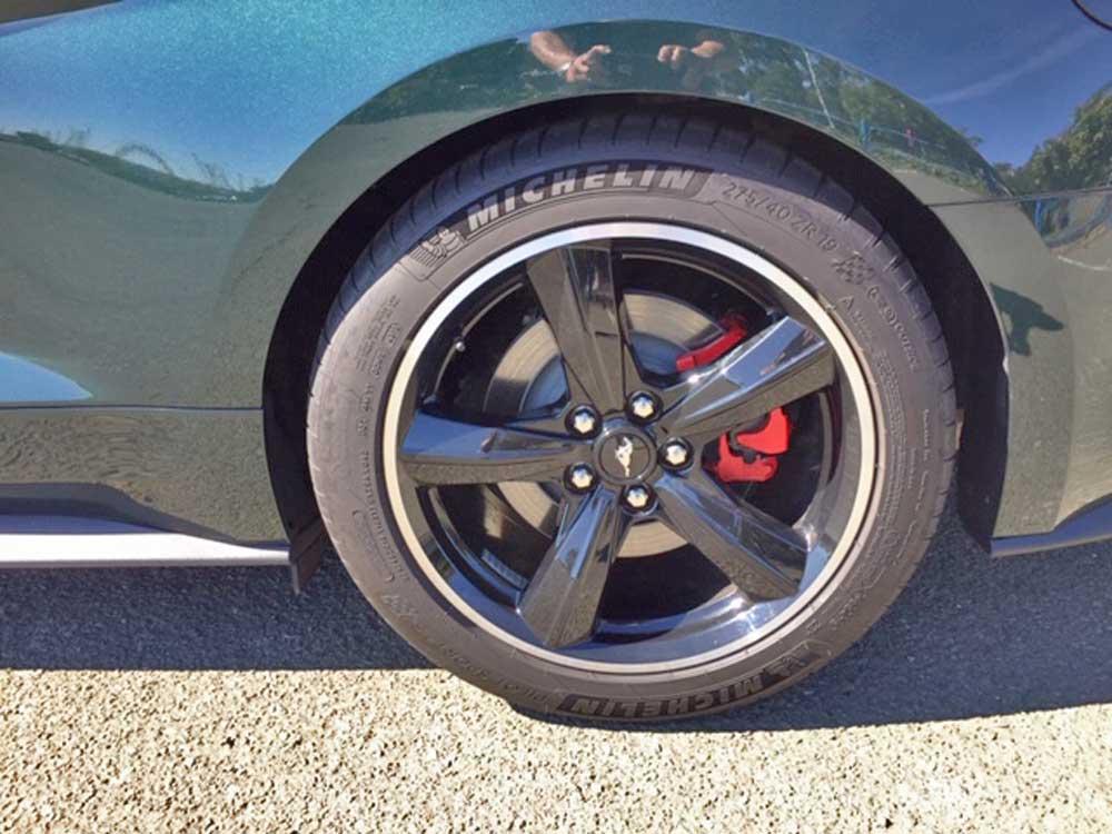 Ford Mustang Bullitt tires